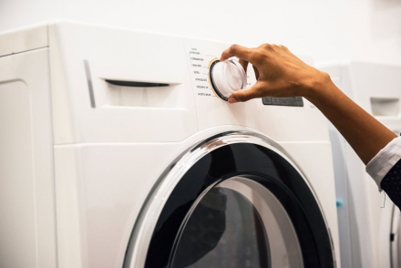 3 Reasons to Install a Laundry Water Softener