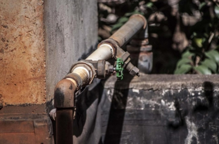 3 Signs That You May Have a Corrosive Water Problem