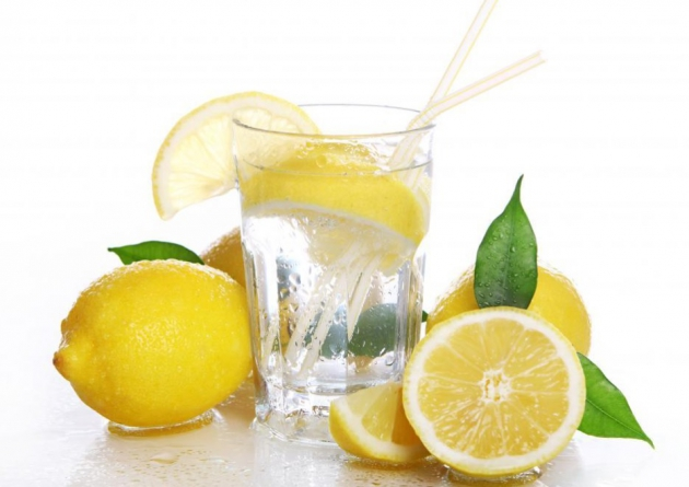 4 Reasons to Drink More Water